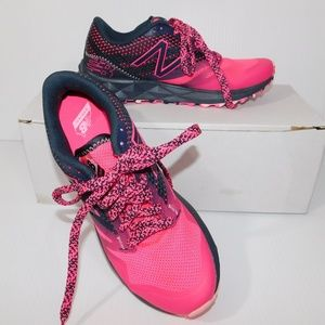 New Balance 690 AT Trail Speed Ride Gray / Pink @